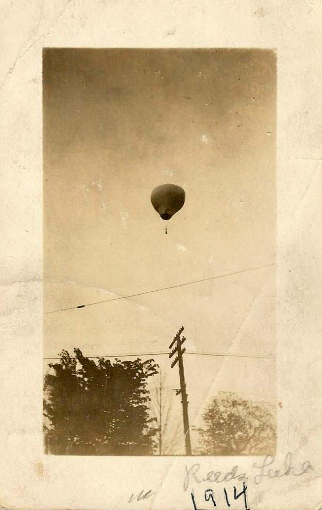 hot air balloon reeds lake 1914