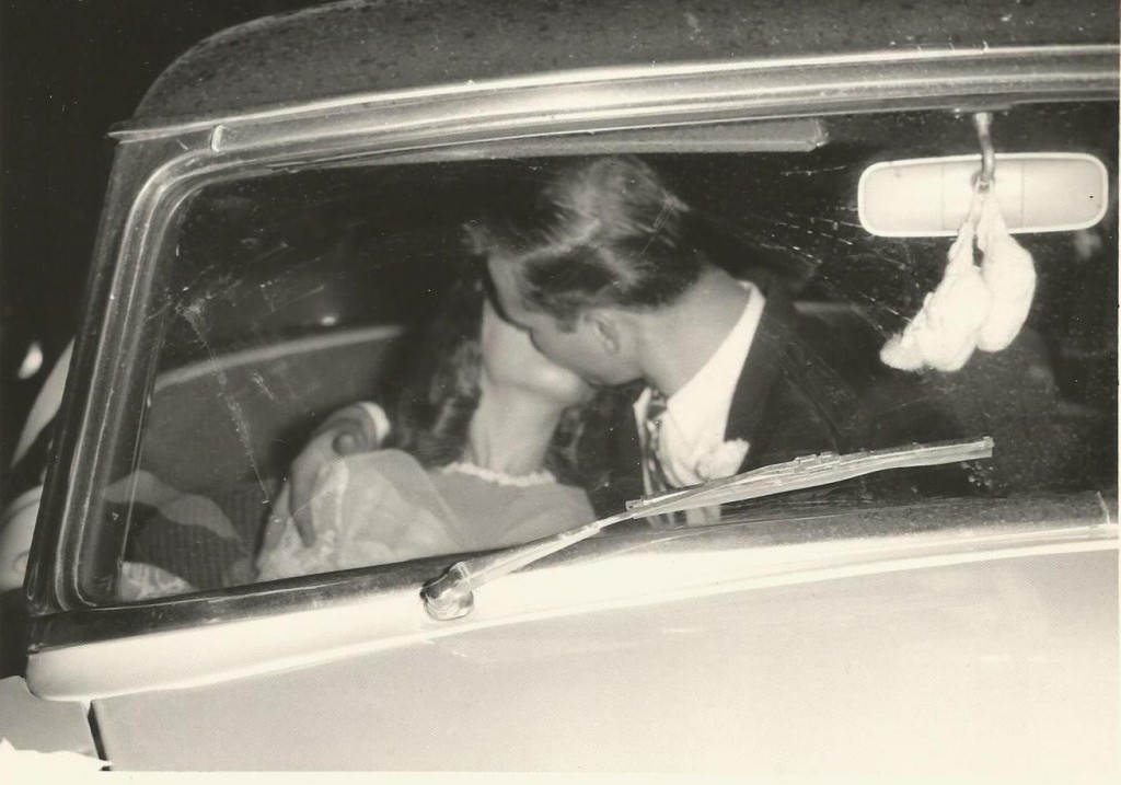 mom and dad wedding4